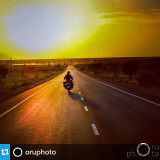 #Repost from @oruphoto  Long winding roads and surreal landscapes are the most juiciest ingredients of a road trip. Time to burn those preciously saved holidays on a winding tarmac. When will you own the sun? #rajasthan #bike #roadtrip #trip #indiaphoto #